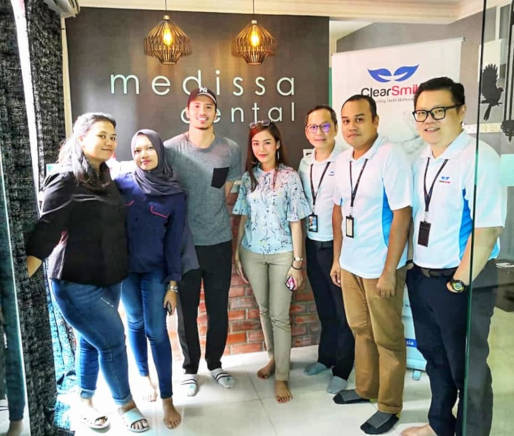 The Medissa Dental team collaborating with ClearSmile team and Fattah Amin, promoting dental aligners.