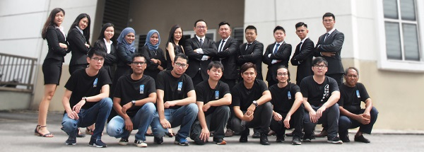 APR Electronic's founder, Danny Ng and his staff team