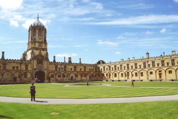 Oxford University (school)