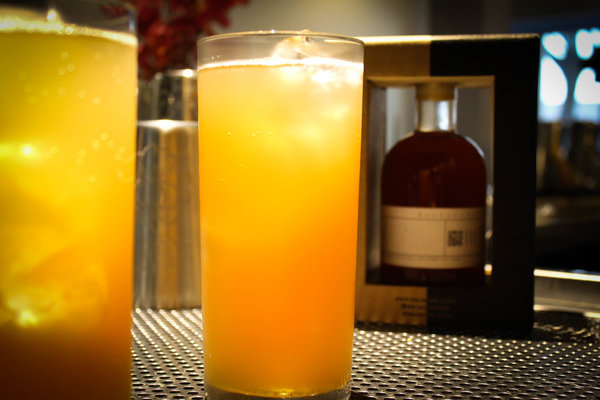 honey-cocktail-and-mocktail