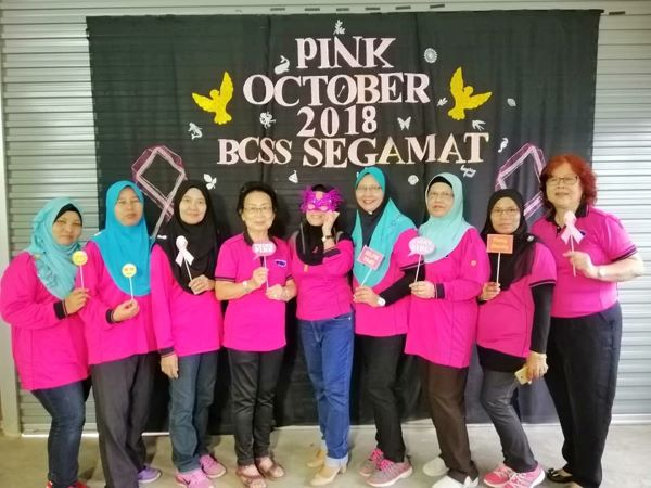 Members of Breast Cancer Support Society Segamat. Society took a photo in conjunction of Breast Cancer Awareness Month in 2018.
