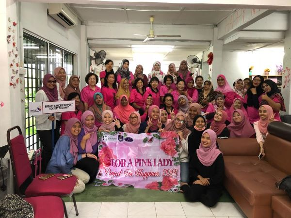 A group photo with breast cancer patients at Breast Cancer Support Society centre in Segamat