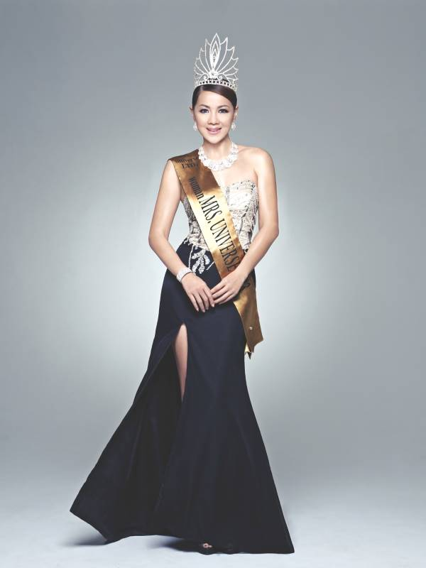 Carol Lee the former beauty queen of Mrs Universe 2013