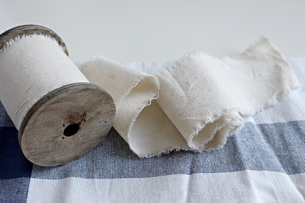 Cotton cloth, an essential fabric to warm weather suitings.