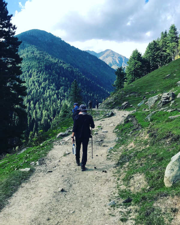 Trekking through nature - into the mountains from Aru Valley.