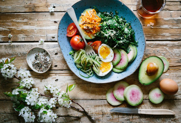 When on ketogenic diet, you need to fill your plate with low-carbohydrate, high-fat foods such as meat, seafood, non-starchy produce, and healthy fats.