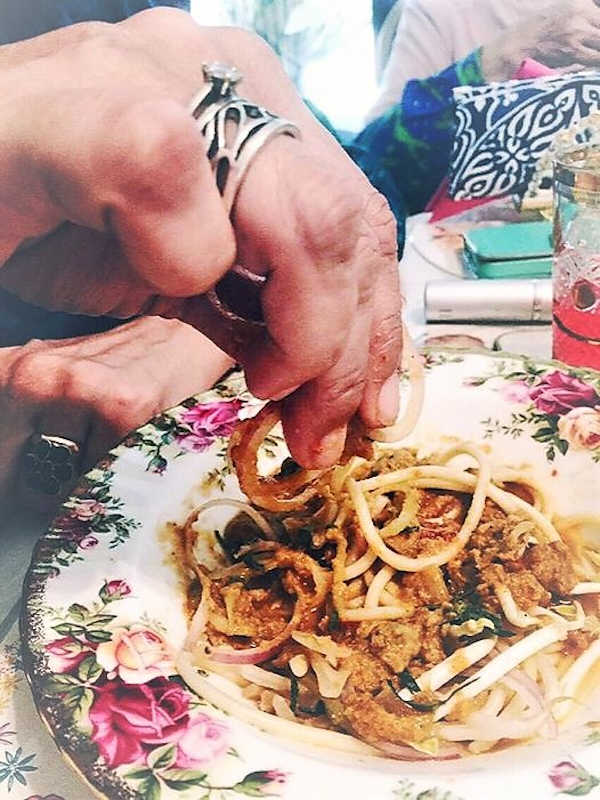 Eating Laksa Johor with my fingers, is the best way to savour the flavours.