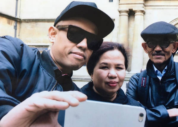 Malysia's hip-hop artist Joe Flizzow with his parents, Aishah Ali and the late Ishak Nengah.